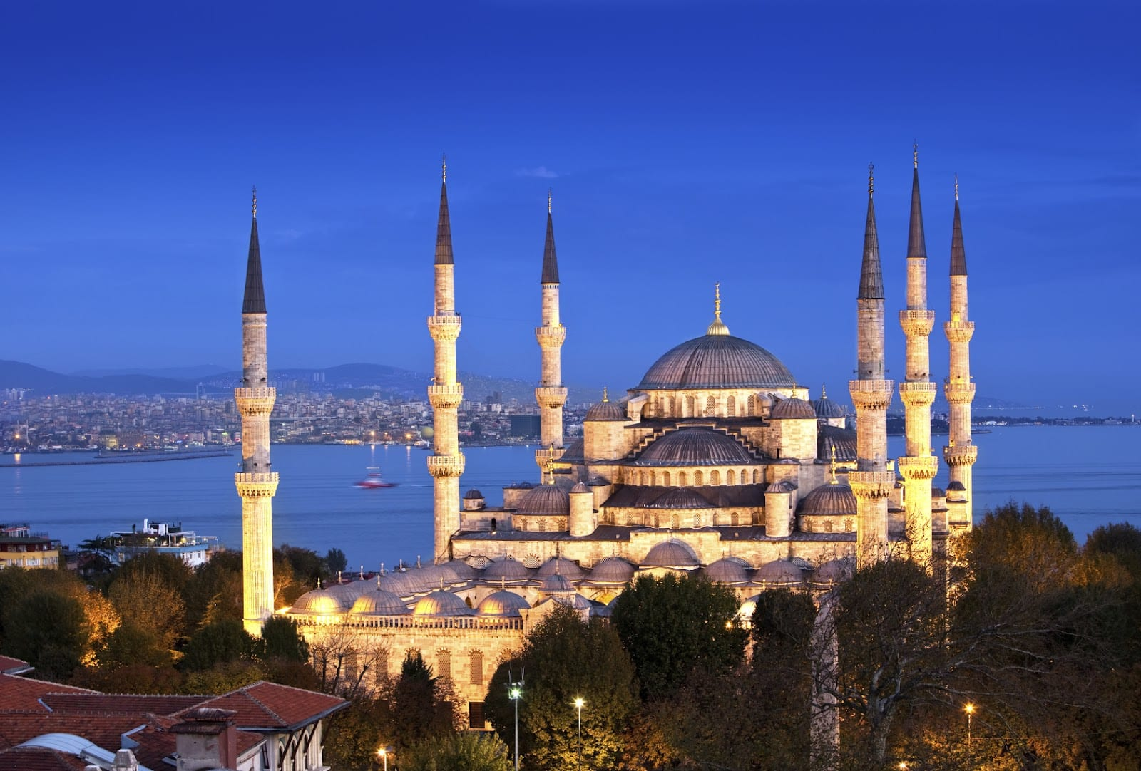 The history of the Blue mosque in Turkey - British Muslim ...